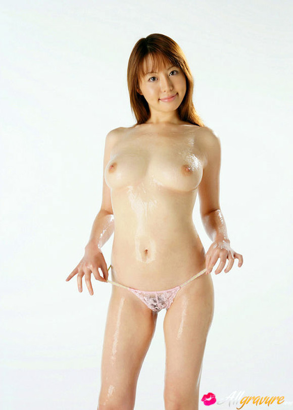 ai-takeuchi-naked-asian-gravure-model-2