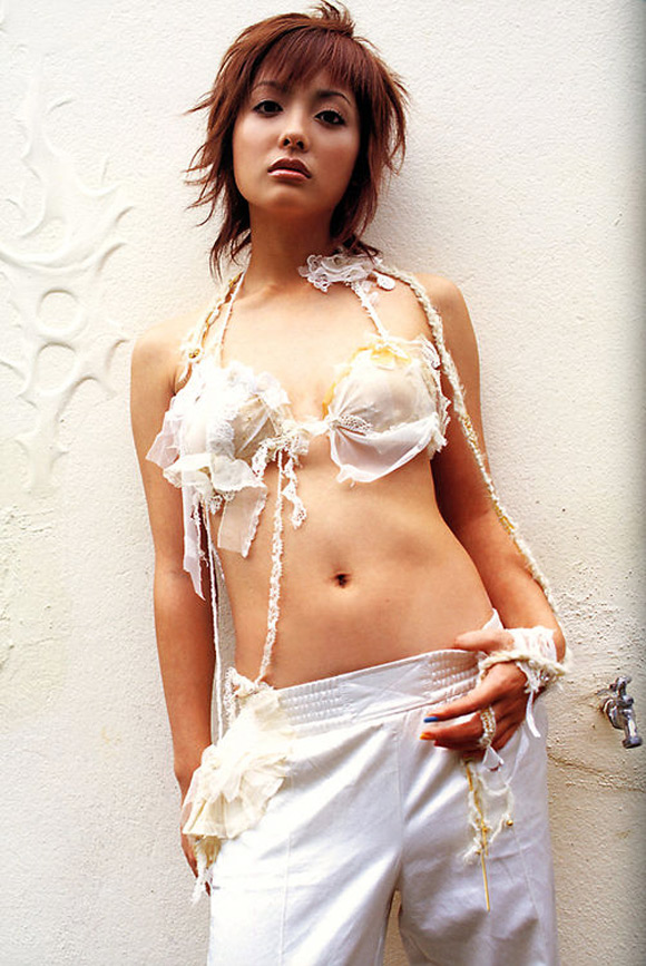 aya-hirayama-naked-asian-gravure-model