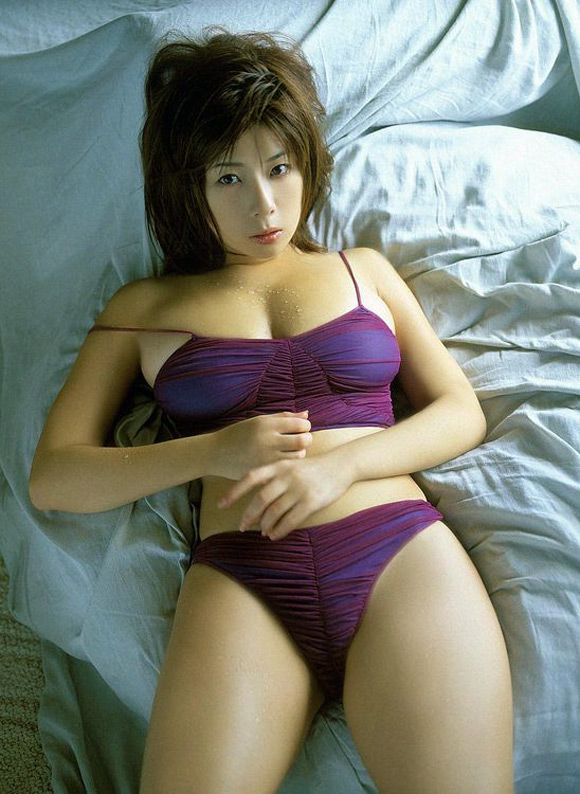 ayu-okakura-naked-asian-gravure-model-2