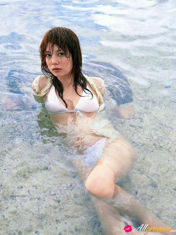 chinami-ishizaka-naked-asian-gravure-model-6