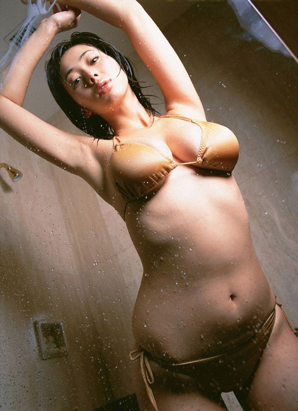 inoue-waka-naked-asian-gravure-model-2