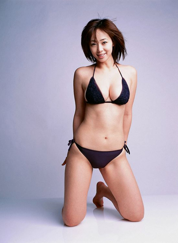inoue-waka-naked-asian-gravure-model