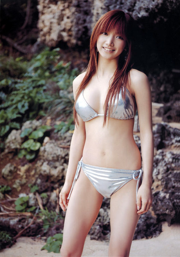 maki-goto-naked-asian-gravure-model