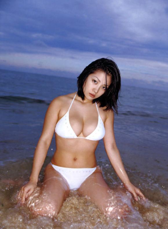 minako-komuki-naked-asian-gravure-model-2