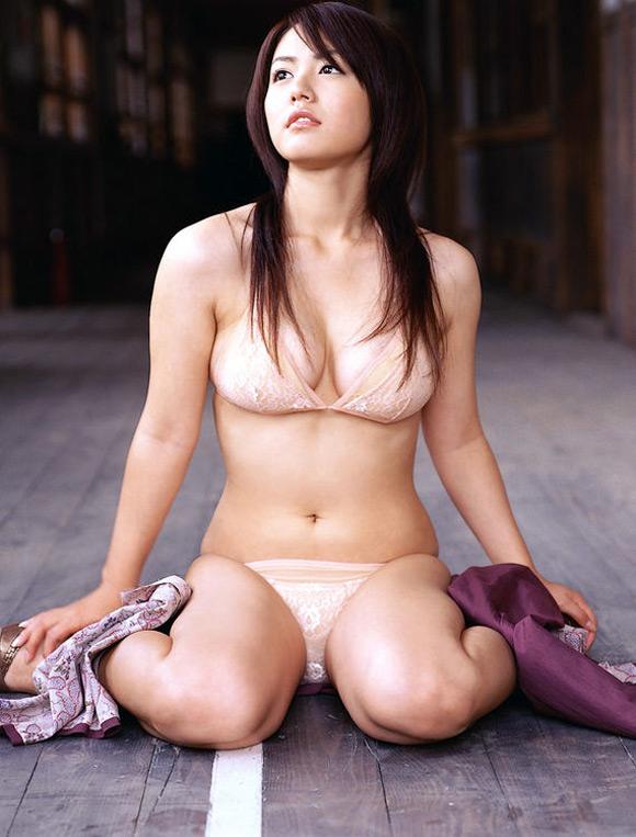 sayaka-isoyama-naked-asian-gravure-model-11