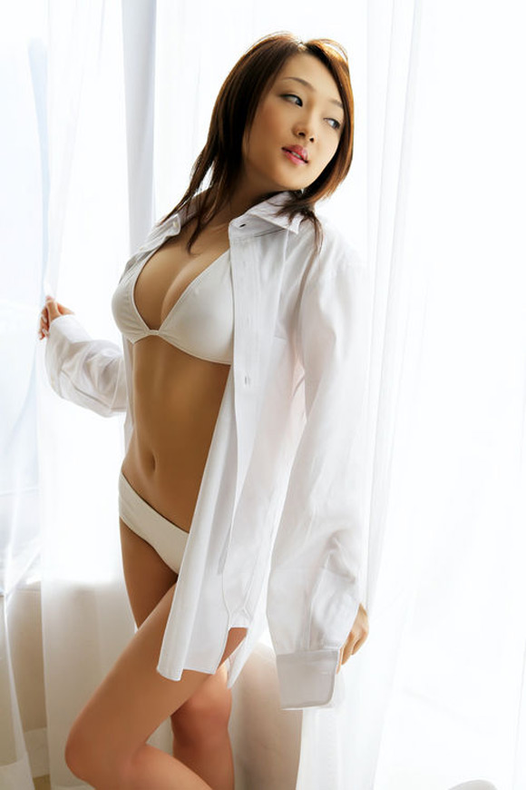 sayoko-ohashi-naked-asian-gravure-model