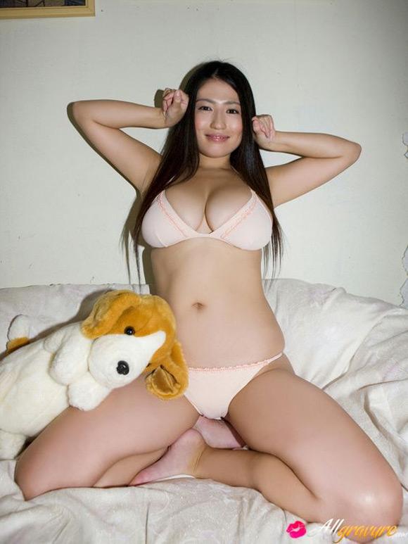nonami-takizawa-naked-asian-gravure-model