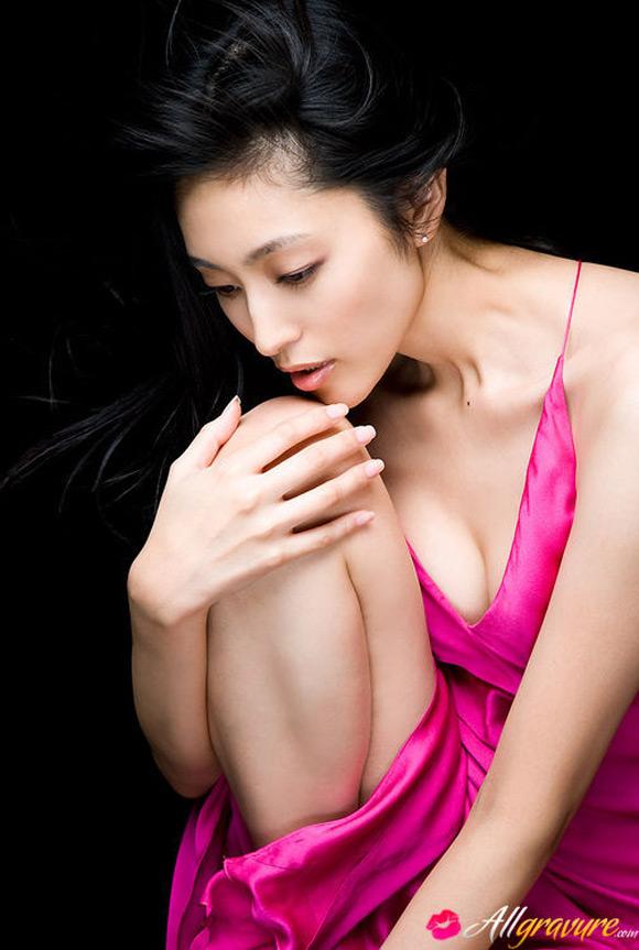 noriko-aoyama-naked-asian-gravure-model