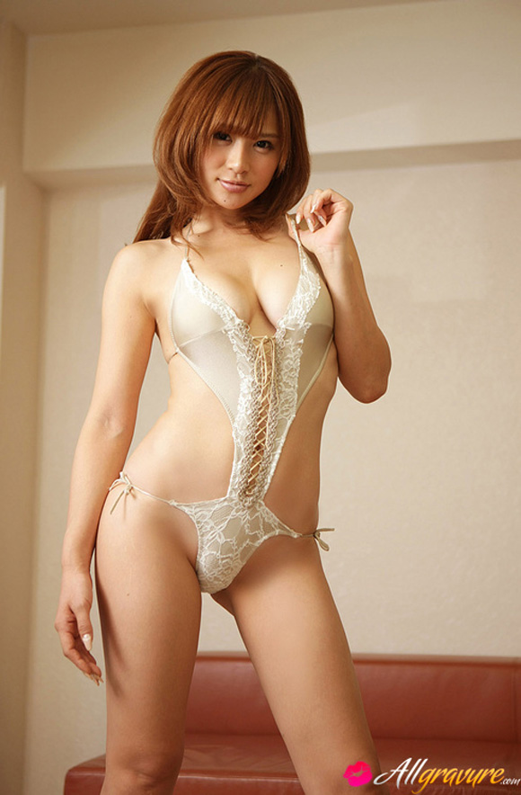 yuu-tejima-naked-asian-gravure-model