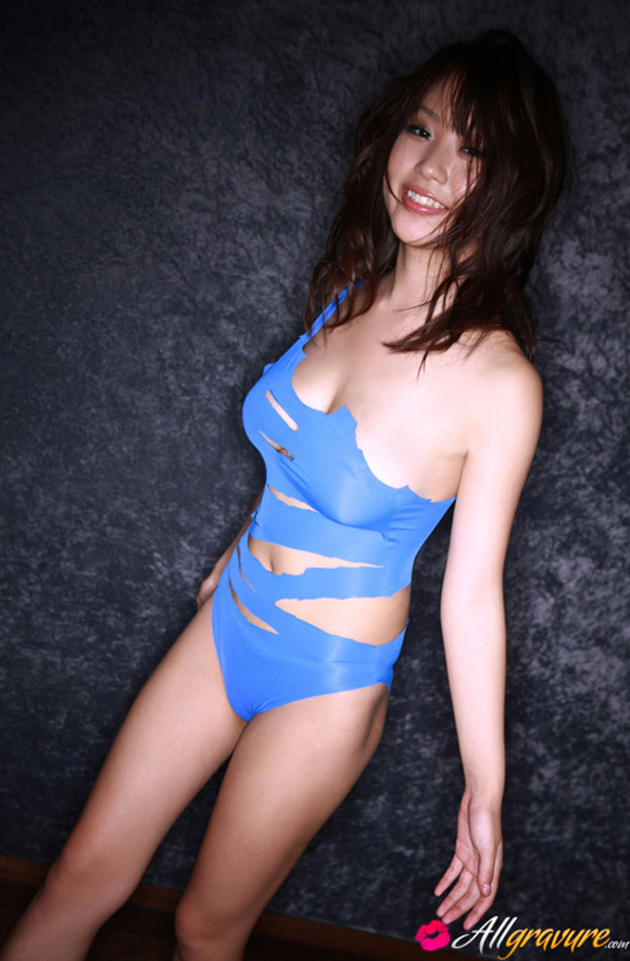 mai-nishida-naked-asian-gravure-model