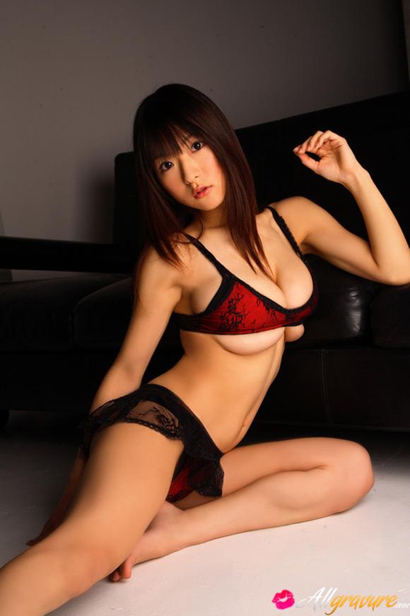 mizuki-horii-naked-asian-gravure-model