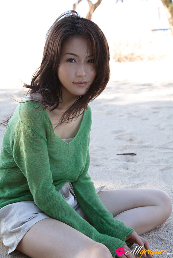 sayaka-yamaguchi-naked-asian-gravure-model