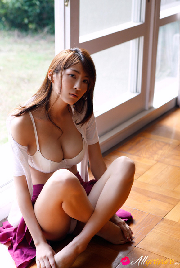 asana-mamoru-naked-asian-gravure-model