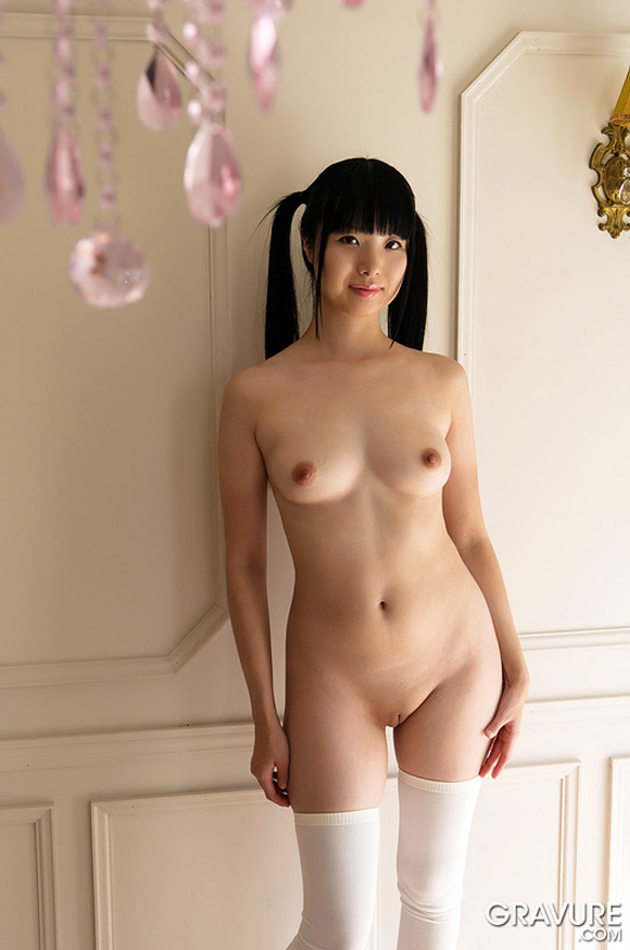 miku-himeno-naked-asian-gravure-model