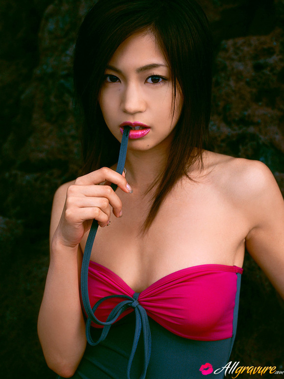 misako-yasuda-naked-asian-gravure-model