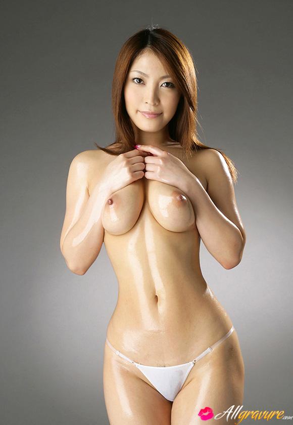 sakura-kokomi-naked-asian-gravure-model