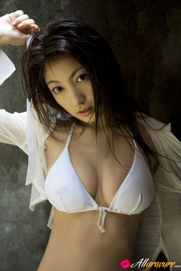 yoko-kumada-naked-asian-gravure-model