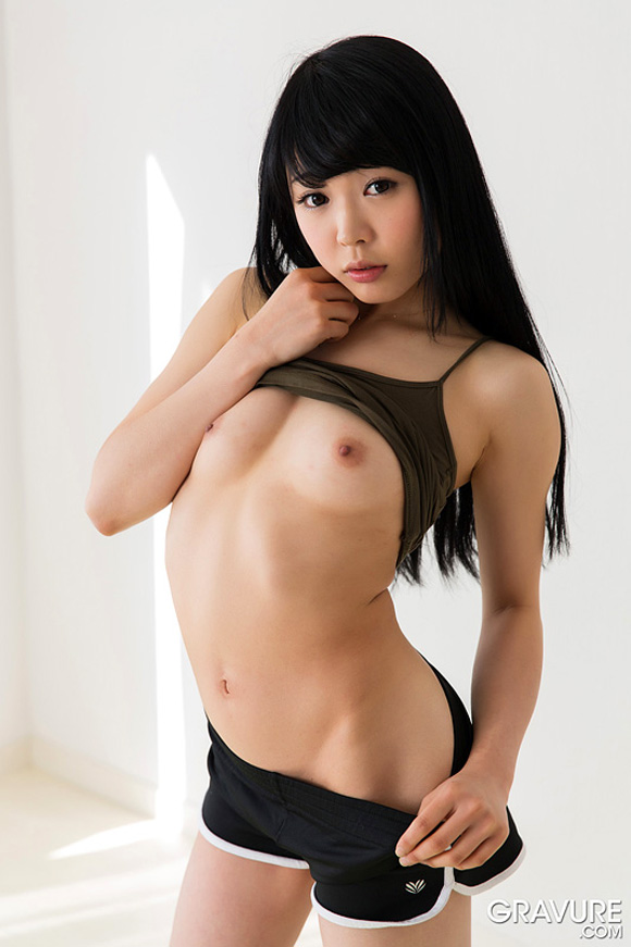 yui-kawagoe-naked-asian-gravure-model