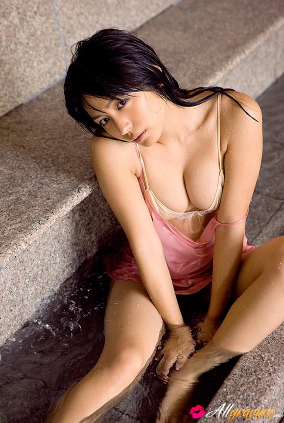 yukie-kawamura-naked-asian-gravure-model
