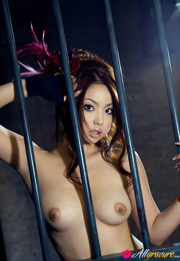 risa-kasumi-naked-asian-gravure-model